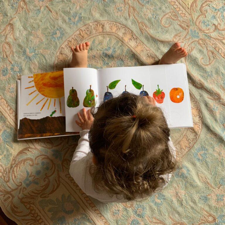Read more about the article Sviluppare il linguaggio nel bambino: la logopedista racconta