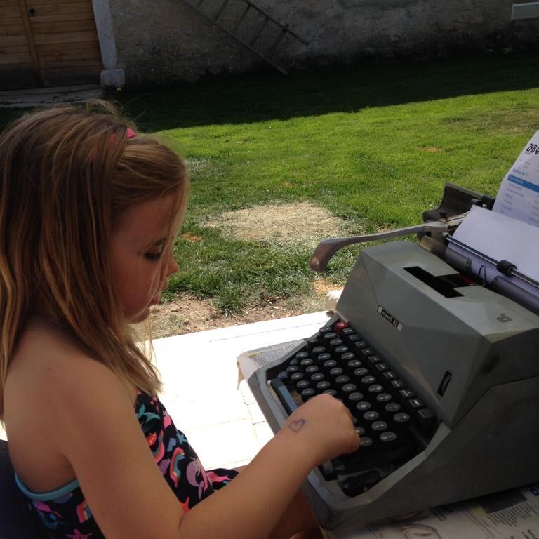 Read more about the article #bastapoco per fare la differenza: il punto di vista di Tya, 7 anni